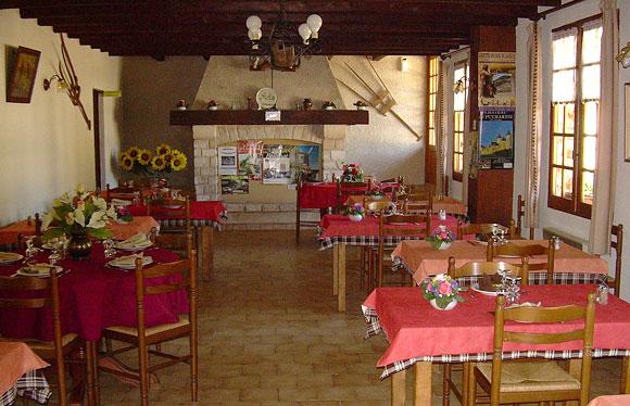 Restaurant Les Fontilles La Douze Dordogne Périgord